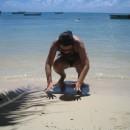 Na pláži - snažím se zanechat stopu