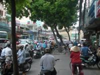 Provoz na ulici i na chodniku